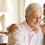 La OMS recomienda el uso de la tecnología para mejorar la atención de las personas mayores