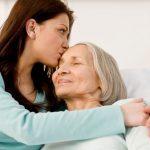¿Cómo conciliar la vida familiar y profesional con el cuidado de nuestros mayores?
